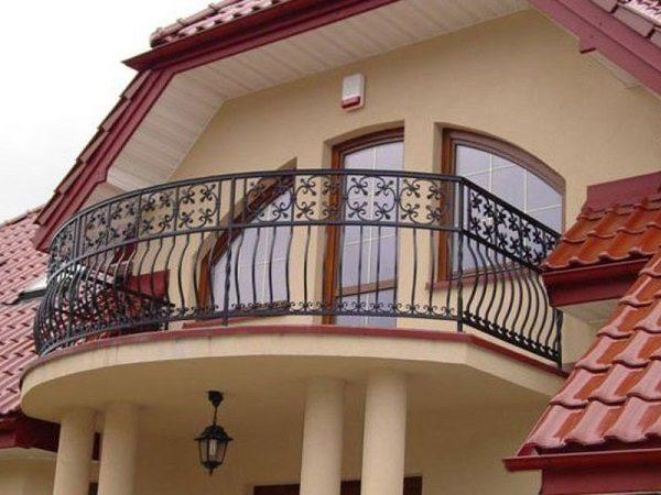 Как сделать и оформить балкон в частном доме