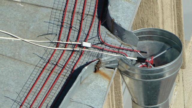 Монтаж и установка обогрева водостоков крыши и кровли дома